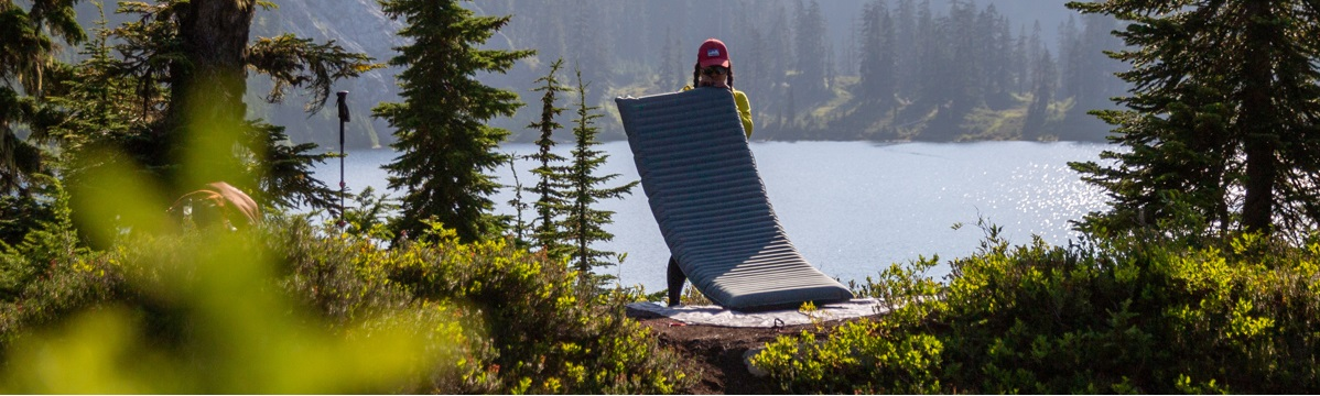 Therm-a-Rest NeoAir Topo Luxe Sleeping Pad - In The Field
